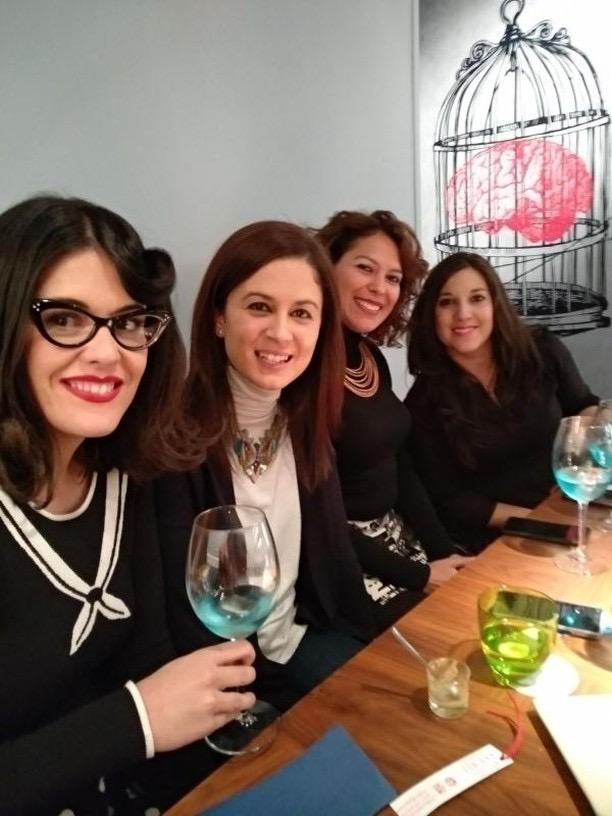 Virginia Carrera con las tres aventureras: Cristina, Heleci y Noelia